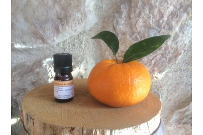 Mandarin essential oil of Mallorca